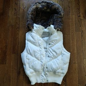 Urban behavior white puffer vest